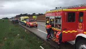 Los bomberos del Ayuntamiento de Cuenca intervienen en una accidente de tráfico en Arcas