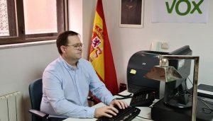 VOX Guadalajara pide a García-Page que se deje de fotos y empiece a vacunar