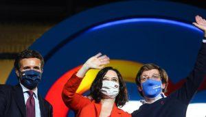 Ayuso arrasa en Madrid, echa a Iglesias de la política y deja al PSOE como tercera fuerza