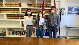 El Gobierno regional entrega una vivienda en protección oficial en régimen de alquiler en la localidad de El Pedernoso