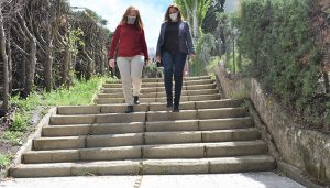 El Gobierno regional licita el arreglo de las escaleras de acceso al CEIP Santa Teresa de Cuenca