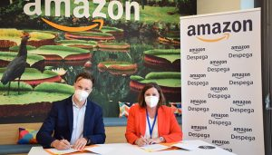 Junta y Amazon firman un convenio de colaboración para impulsar las ventas internacionales de las pymes de la región a través de internet