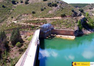 La CHT formaliza el contrato de adecuación y actualización de los Planes de Emergencia de las presas de Beleña, Alcorlo y Pálmaces