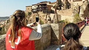 Las Casas Colgadas y el edificio de Diputación se iluminarán de rojo con motivo del Dia Mundial de Cruz Roja