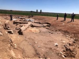 La alcaldesa de El Cañavate pide a la Diputación que invierta en una segunda fase de excavación y protección en las termas romanas