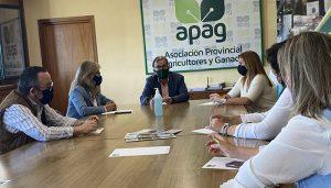 Un momento de la reunión que han mantenido en APAG Guadalajara