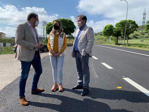 El Gobierno regional realiza trabajos de acondicionamiento en la carretera que une Sigüenza con el polígono industrial ´Los Llanillos´