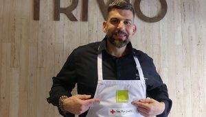 """Jesús Segura protagoniza """"Super Chef"""", una iniciativa de Cruz Roja para sensibilizar a los más jóvenes sobre cocina rica y saludable"""