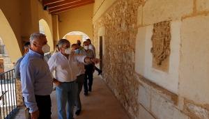 José Luis Vega visita Milmarcos y su alcalde agradece a Diputación su apoyo a los pequeños pueblos