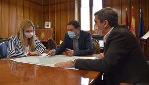 La Diputación de Cuenca y la Junta repasan el comienzo de las actuaciones del convenio que actuará en 31 caminos forestales