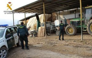 La Guardia Civil investiga a una empresa de Cuenca por la supuesta comercialización de una sustancia grasa obtenida del hueso de la aceituna