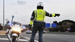 Tráfico intensificará en Guadalajara el número de pruebas diarias de alcohol y otras drogas a conductores