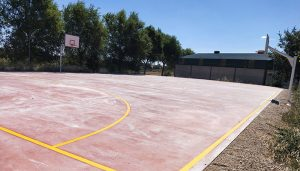 Guadalajara renueva la pista deportiva de San Andrés del Rey, con una inversión de 31.000 €