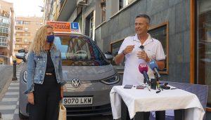 La Autoescuela San Cristóbal incorpora el primer vehículo eléctrico para prácticas y exámenes