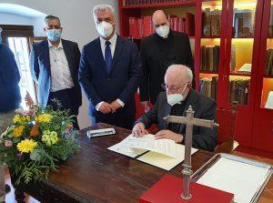El convenio Diputación-Obispado para restauración de iglesias permitirá arreglar 18 templos de Guadalajara este año