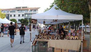 El I Mercado de las Manos de Cabanillas echa el cierre tras dos días de intensa promoción de la artesanía de cercanía