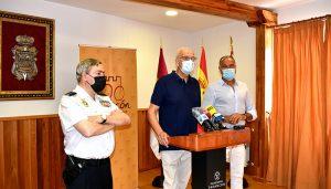 El subdelegado del Gobierno en Cuenca presenta el nuevo DNI Europeo 4.0 en Tarancón