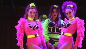 Espectacular velada en Cabanillas con The Talent, entre la revista, el music-hall y el arte circense