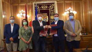 La Diputación y el Ayuntamiento de Cuenca desbloquean el convenio de bomberos después de una década
