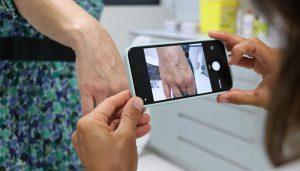 Más de 62.000 pacientes se han beneficiado de las ventajas que ofrece el programa de teledermatología implantado en toda la región hace un año