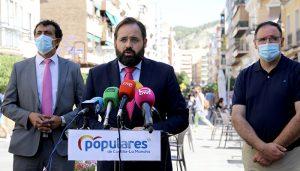 Núñez propone nuevas deducciones en el impuesto de la Renta para los autónomos, aumentar un 10% la cuota familiar y personal y bajar el IRPF en el tramo autonómico