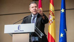Page pide a Garzón que no se invente la política y valora la importancia del sector cárnico en Castilla-La Mancha