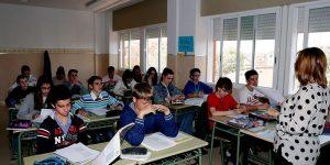 El próximo curso escolar se mantendrá el número de profesores contratados con motivo de la Covid-19
