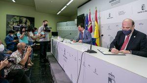 Castilla-La Mancha impulsará una campaña de fomento del consumo de vino de la región en restaurantes