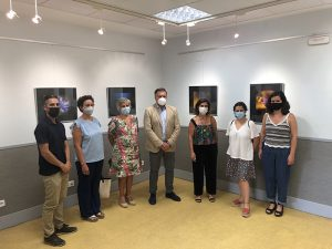 El Centro Joven acoge la exposición de fotografía organizada por la Asociación de Familiares de Bulimia y Anorexia de Cuenca