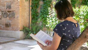 El Instituto de la Mujer anima al público adulto a disfrutar de los recursos bibliográficos del Centro de Documentación y Biblioteca Luisa Sigea