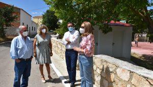 La Diputación de Cuenca invierte 39.000 euros en reformar la piscina de Landete y construir un frontón en Manzaneruela