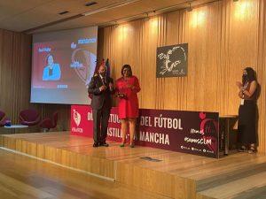El Gobierno regional recibe en Cuenca el premio 'Sancho' concedido por la Federación de Fútbol de Castilla-La Mancha,