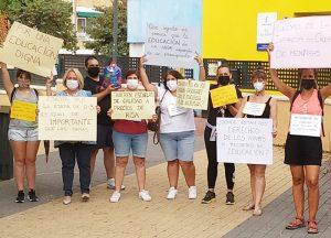 El PP de Azuqueca respalda las protestas de las trabajadoras de las escuelas infantiles municipales, que piden más recursos al Ayuntamiento