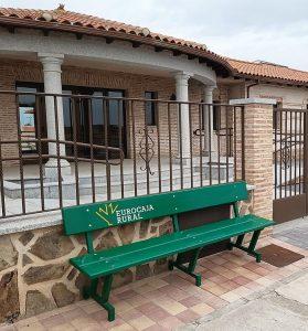 Eurocaja Rural dará prioridad a las solicitudes de los Ayuntamientos para restablecer el mobiliario urbano afectado por la DANA