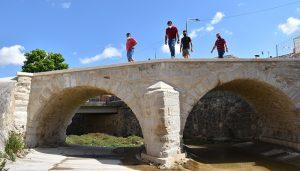 La Diputación de Cuenca permite una inversión de 36.420 euros en el puente histórico de Fuentes