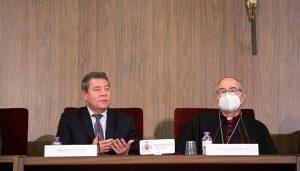 Page destaca la capacidad de escucha que tiene la Iglesia católica y reconoce la necesidad de que sea una institución permeable
