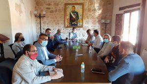 CCOO y UGT, JCCM, Diputación y Ayuntamiento de Iniesta comienzan a diseñar planes de futuro tras la inminente marcha de Florette