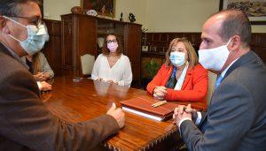 El Ayuntamiento renueva con 'Gentes de Guadalajara' el convenio de promoción y difusión de 'El Tenorio Mendocino'