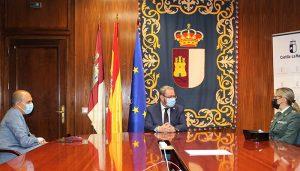 El delegado de la Junta y el presidente de las Cortes de Castilla-La Mancha reciben a la nueva jefa de la Comandancia de la Guardia Civil de Guadalajara