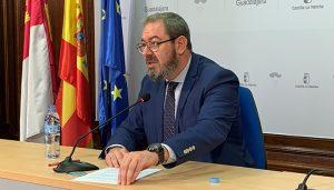 Eusebio Robles destaca que el Gobierno de García-Page se crece en tiempos de crisis y, lejos de hacer recortes, refuerza las inversiones