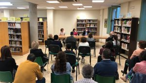 La Biblioteca Aguirre acoge la presentación del duodécimo libro de Estrella Cachero, 'Por qué no lo había visto venir'
