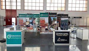 La Diputación promociona el turismo y los Alimentos de Guadalajara en la Feria de Muestras de Granada