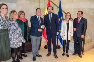 Las ciudades y regiones españolas aprueban en Europa y por unanimidad la iniciativa liderada por Castilla-La Mancha para proteger los productos industriales y artesanales