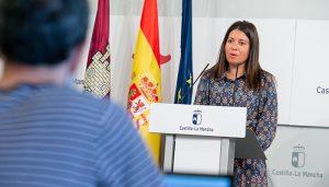 El Gobierno regional firma el convenio con la Administración General del Estado para destinar 32 millones de euros a la protección del Sistema de Dependencia
